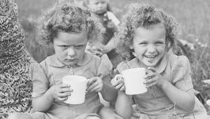 """هل السعادة """"مفيدة"""" لجنسيات معينة أكثر من أخرى؟"""