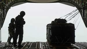 مسؤول لـCNN: طائرات أمريكية أسقطت 50 طناً من الذخيرة لمقاتلين معارضين في سوريا.. روسيا: 55 غارة على داعش بـ24 ساعة