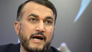 """إيران تعتبر استقالة الحريري """" متسرعة """".. وتدعي أنها بترتيب سعودي- أمريكي"""