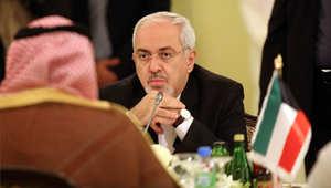 أرشيف - وزير الخارجية الإيراني خلال اجتماع للجنة الإيرانية الكويتية المشتركة في وزارة الخارجية بالكويت 2013