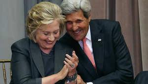 """كلينتون تعتذر عن استخدام بريدها الشخصي وكيري يعين """"قيصر البريد الإلكتروني"""" لمراقبة الوزارة"""