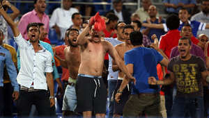 أنصار الأهلي يحتفلون بعد فوز فريقهم بكأس السوبر المصري لكرة القدم ضد الزمالك في 14 سبتمبر 2014