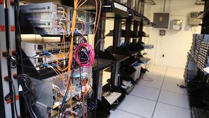 """هجوم إلكتروني عالمي يحول أجهزة عادية إلى """"أسلحة"""""""