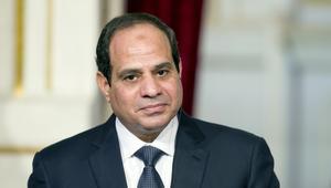 """السيسي يدعم صندوق طوارئ العمال بـ100 مليون جنيه من صندوق """"تحيا مصر"""".. ويؤكد: سيدات مصر """"عظيمات مصر"""""""