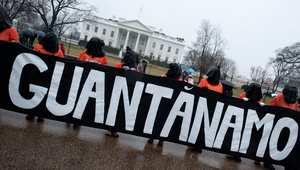 صورة أرشيفية لمظاهرة تطالب بإغلاق السجن الأمريكي