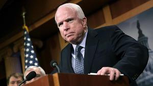 ماكين يرد على وزير خارجية أمريكا: السوريون لا يمكنهم تقرير مصير الأسد