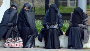 """مسؤول ألماني: """"البرقع"""" لا يتماشى مع نظرتنا للمرأة واقتراح لحظره بمناطق كالمدارس"""