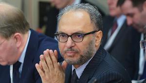 قرقاش: قطر تتخبط بين مناشدة رضا واشنطن ووّد طهران