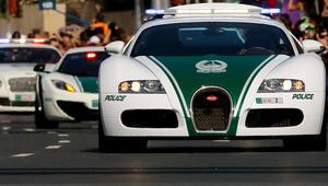 """بسرعات وصلت إلى 300 كيلومتر في الساعة.. شرطة دبي تحجز 81 سيارة بسبب القيادة المتهورة بعد """"مطاردات خطيرة"""""""