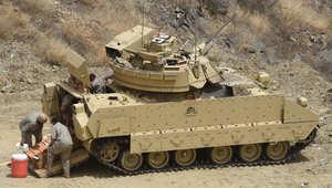 """السعودية تعلن مقتل لواء بالجيش جنوب البلاد.. و""""كاميرون"""" يشكر الإمارات على تحرير رهينة بريطاني من قبضة """"القاعدة"""" في اليمن"""