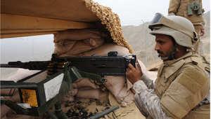 جندي سعودي في موقع عسكري بالمنطقة الجنوبية على الحدود مع اليمن، أبريل 2015