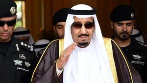 """الملك سلمان يأمر بـ""""إعفاء وزير المياه والكهرباء"""".. ومغردون سعوديون: """"الحين الواحد يقدر يتروش"""""""