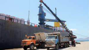الإمارات تستقبل الرئيس اليمني لمدة يومين.. وترسل سفينة إغاثة إلى عدن