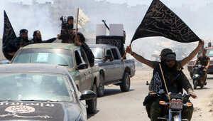 مسؤولون أمريكيون: الثوار السوريون الذين دربهم التحالف سلموا أسلحتهم ومعداتهم لجبهة النصرة