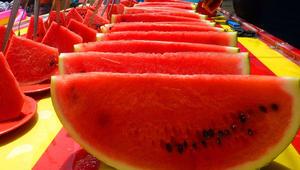 جمّد الفراولة وتجنّب حفظ البطيخ في الثلاجة... نصائح لاستفادة قصوى من الفاكهة والخضار