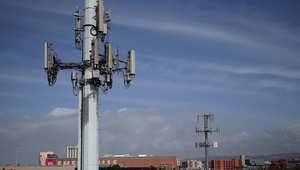 الشرطة تستخدم أجهزة تجسس سرية تحاكي أبراج الهاتف الخليوية كتلك التي في الصور أعلاه