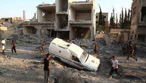 آثار غارة شنها طيران النظام السوري على مدينة دوما، 16 يونيو/ حزيران 2015