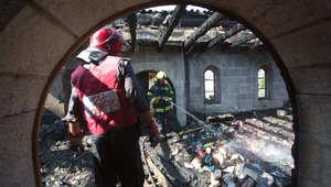 اضرام النار يعتقد أنه متعمد في الكنيسة