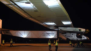 الطائرة سولار أمبلس2 قبل مغادرتها اليابان في أطول مرحلة من رحلتها حول العالم، 24 يونيو/ حزيران 2015