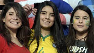 أنصار البرازيل ينتظرون بدء مباراة ربع نهائي 2015 بين البرازيل وباراغواي