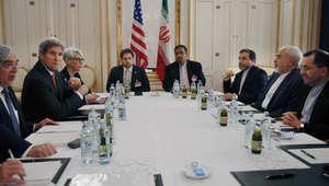 """مفارقات اتفاق إيران.. السعودية وإسرائيل تتصدران المعارضين و""""أوباما"""" و""""الأسد"""" في مقدمة المهنئين"""