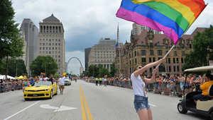 """26  مليون شخص على فيسبوك يستخدمون """"قوس قزح"""" المثليين على صورهم خلال أيام"""