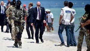 """تونس تبدأ بناء جدار وخندق بطول 168 كيلومترا على حدودها مع ليبيا.. وفرنسا تعلن قتل قيادي في """"القاعدة ببلاد المغرب"""""""