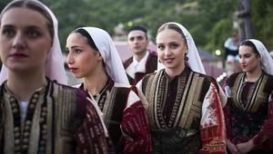 """""""أنظري عبر الخاتم لعريسك"""".. هذه هي عادات الأعراس في مقدونيا"""