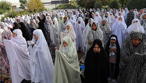صلاة العيد في إيران حيث أعلن السبت أول أيام عيد الفطر 18 يوليو/ تموز 2015