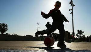 أمريكا تمنع الأطفال من ضرب كرة القدم برؤوسهم