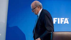 نقل رئيس الفيفا الموقوف بلاتر إلى المستشفى.. ومستشاره يتوقع خروجه الاثنين المقبل