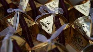 علب تحتوي على الحلويات تم تحضيرها خصيصا ليوم العيد في ميدان ترافالغار بلندن
