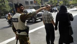 إيران: الشرطة تقتل شخصاً هاجم المارة بمحطة مترو في طهران بسلاح أبيض