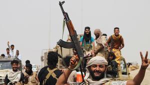 """قرقاش يرد على """"كذبة"""" انسحاب مسبق للحوثي وصالح من مخا باليمن"""