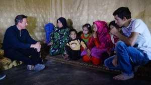 كاميرون داخل مخيم للسوريين في لبنان: قصص تحطم القلوب