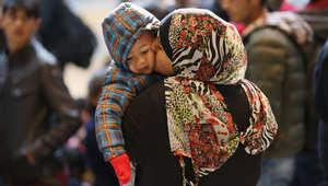 ميركل ونظيرها النمساوي يدعوان لقمة أوروبية طارئة حول اللاجئين الأسبوع المقبل