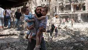 """المرصد السوري: غارة جوية """"يُعتقد أنها روسية"""" تقتل 21 شخصا في حلب"""