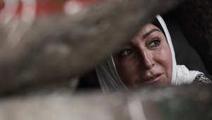 حاجة مسلمة أثناء زيارتها لكهف حراء على جبل النور