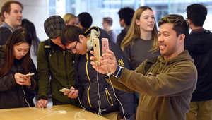 """""""أبل"""" تبيع 13 مليون هاتف آيفون """"6S"""" بـ3 أيام"""