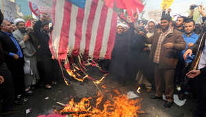 """خامنئي: """"الموت لأمريكا"""" لا يعني """"الموت للأمريكيين"""".. وإيرانيون يحرقون العلم الأمريكي في يوم """"مواجهة الاستكبار"""""""