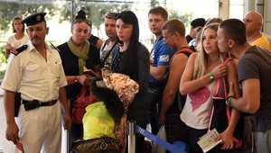 طيران ايزي جيت: السلطات ستسمح بعدد محدود من الرحلات لشرم الشيخ .. وسفير بريطانيا بمصر ينفي إلغاء الرحلات الجوية