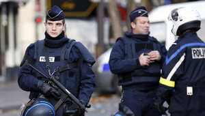وزير الداخلية الفرنسي: ضبط قاذفات صواريخ واعتقال 23 شخصا ووضع 104 تحت الإقامة الجبرية في إطار تحقيقات هجمات باريس