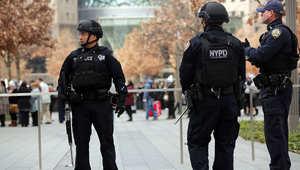 أمريكا.. خمسة رجال يجبرون أبا على ترك ابنته ليغتصبوها في حديقة عامة والشرطة تناشد السكان للتعرف على المشتبه بهم