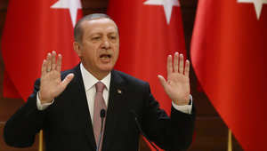 أردوغان يهاجم أمريكا بسبب موقفها من أكراد سوريا: هل أنتم معنا أم مع الإرهابيين ؟