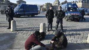 الشرطة الفرنسية تطلق الغاز المسيل للدموع على متظاهرين قبل بداية مؤتمر تغير المناخ
