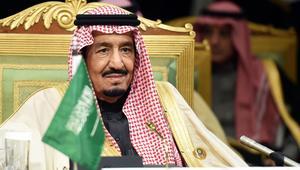 الملك سلمان يأمر باستضافة ألف حاج من أسر ضحايا جيش وشرطة مصر