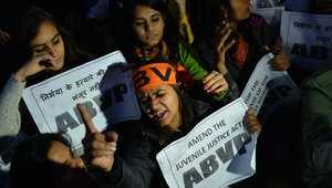 متظاهرات هنديات خلال مظاهرة في نيودلهي في الـ20 من ديسمبر/ كانون الأول 2015، احتجاجا على إطلاق سراح المغتصب القاصر