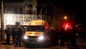 بالصور.. تصاعد الدخان من سفارة السعودية في إيران بعد احتجاج على إعدام الرياض لرجل الدين الشيعي نمر النمر قصاصا