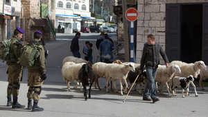 مقتل أربعة فلسطينيين.. وإسرائيل: أوقفنا هجومين بالسكاكين على القوات الإسرائيلية