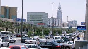 محللون: أسعار النفط والانفاق العسكري يدفع بالسعودية لاقتراض 4 مليارات دولار محليا واستهلاك 62 مليار دولار من احتياطي العملات الأجنبية